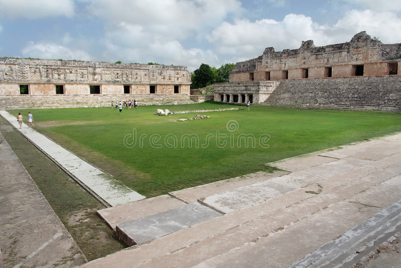 mexico nunneklosterfyrkant uxmal yucatan arkivbilder