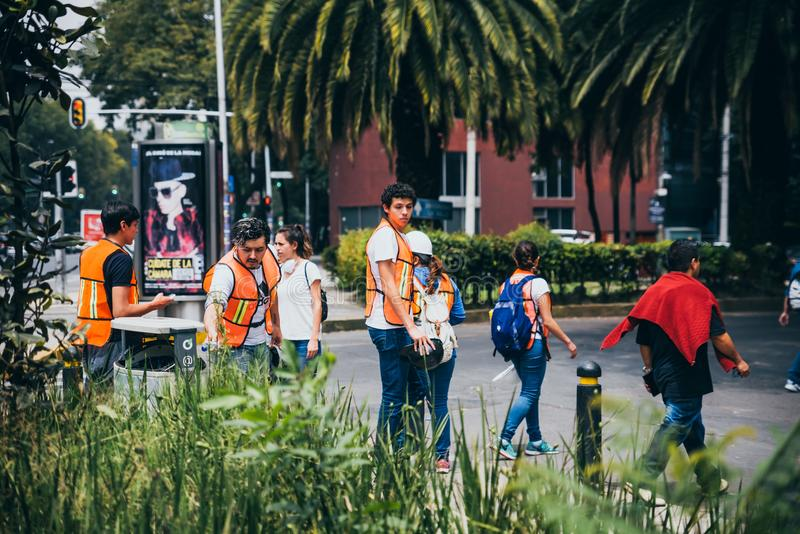 MEXICO - SEPTEMBER 20: Civilian people volunteering to help rescue earthquake victims royalty free stock image