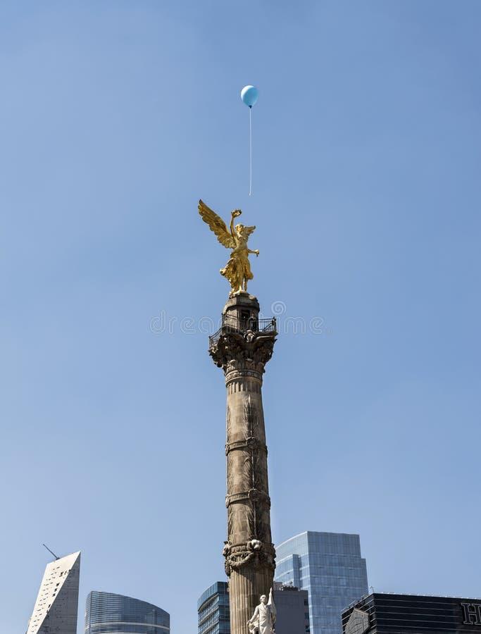 Mexico - stad, centrum, självständighetmonument arkivbild