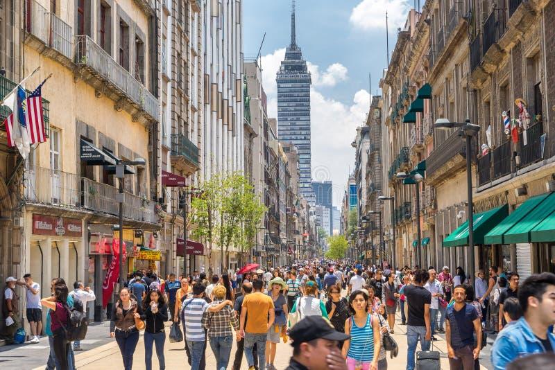 Mexico - stad, Mexico - folkmassor i centret royaltyfri fotografi