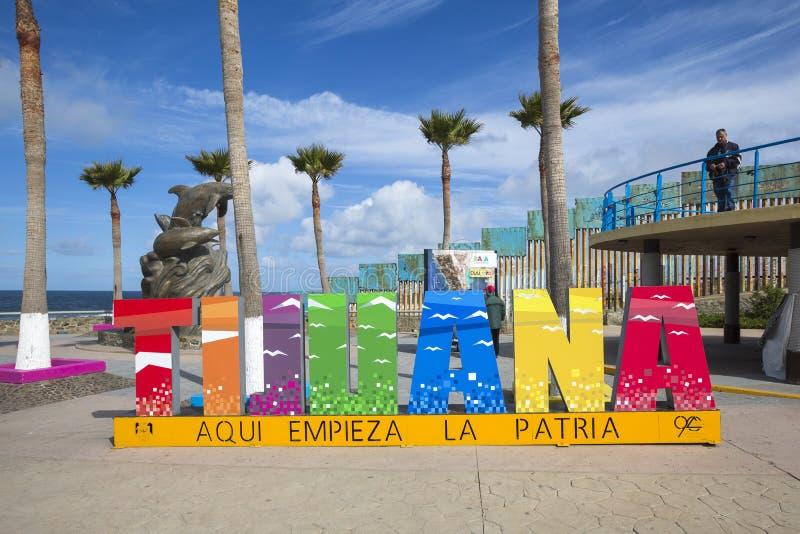 Mexico - Tijuana - de muur van schande stock afbeeldingen