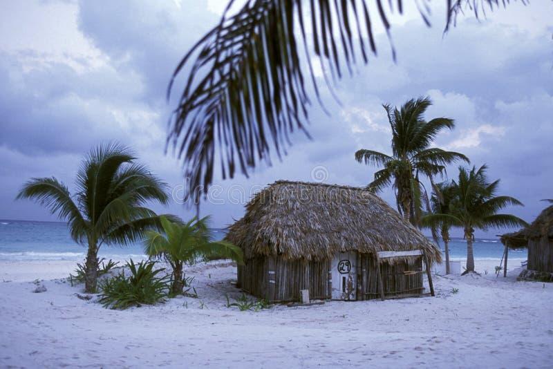 MEXICO YUCATAN TULUM BUNGALOWHOTELL arkivfoto
