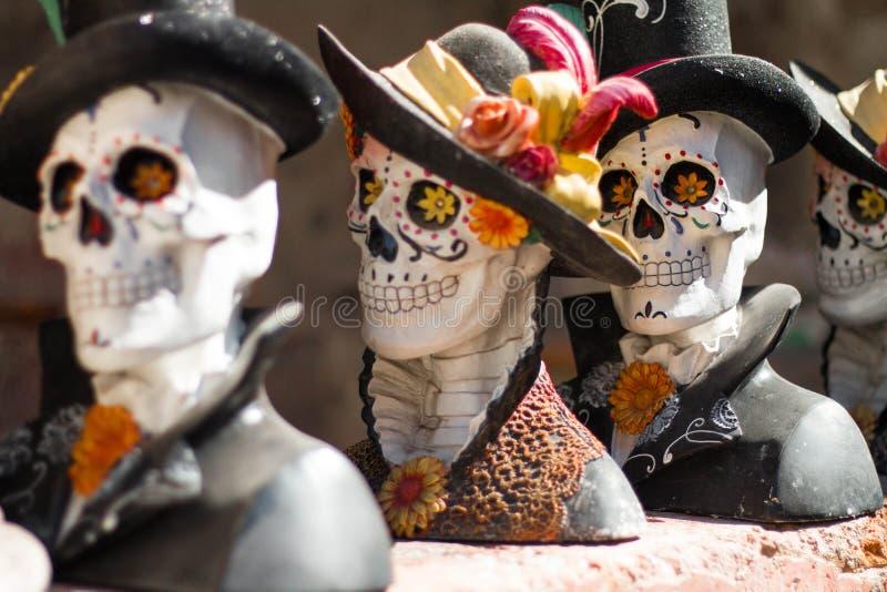 Mexikanfolkkonst för Los Catrines arkivbilder