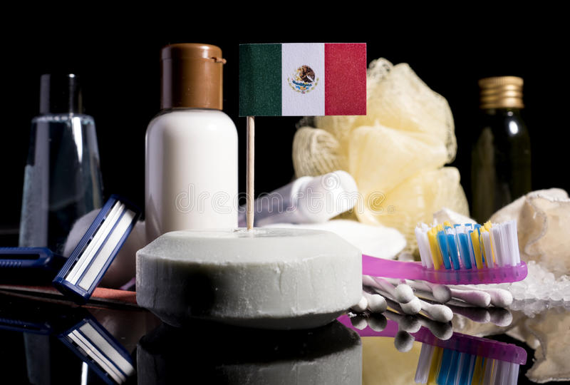 Mexikanische Flagge in der Seife mit allen Produkten für die Leute hy stockbild