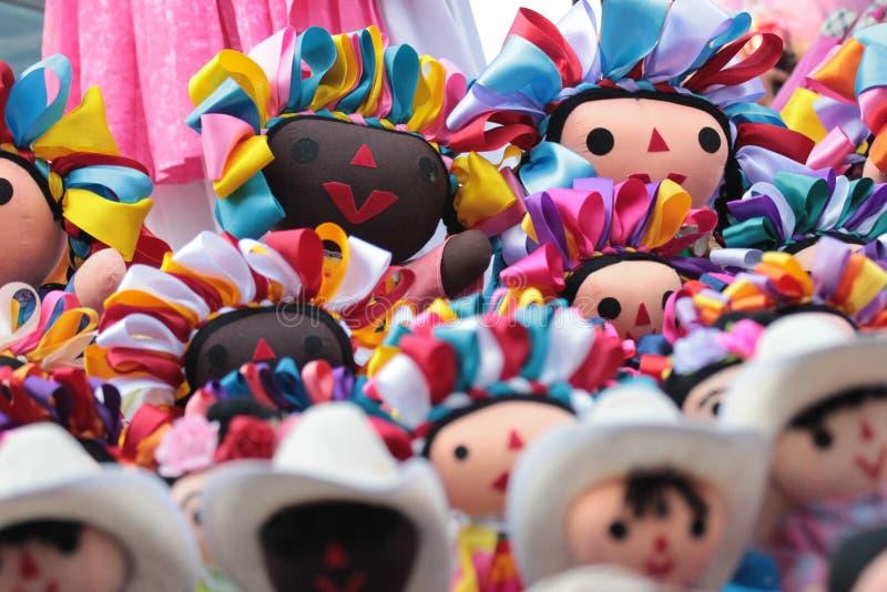 Mexikanische Flickenpuppen Schön handgefertigt stockfotos