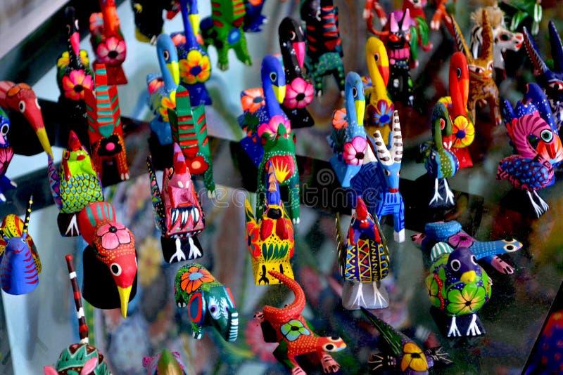 Mexikanische hölzerne Tiere stockbilder