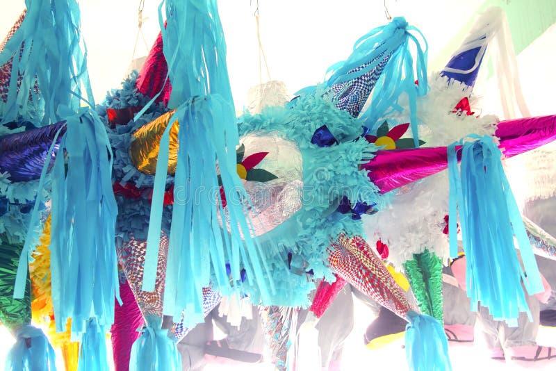 Mexikanische traditionelle Feier der Pinatasstern-Form lizenzfreies stockfoto
