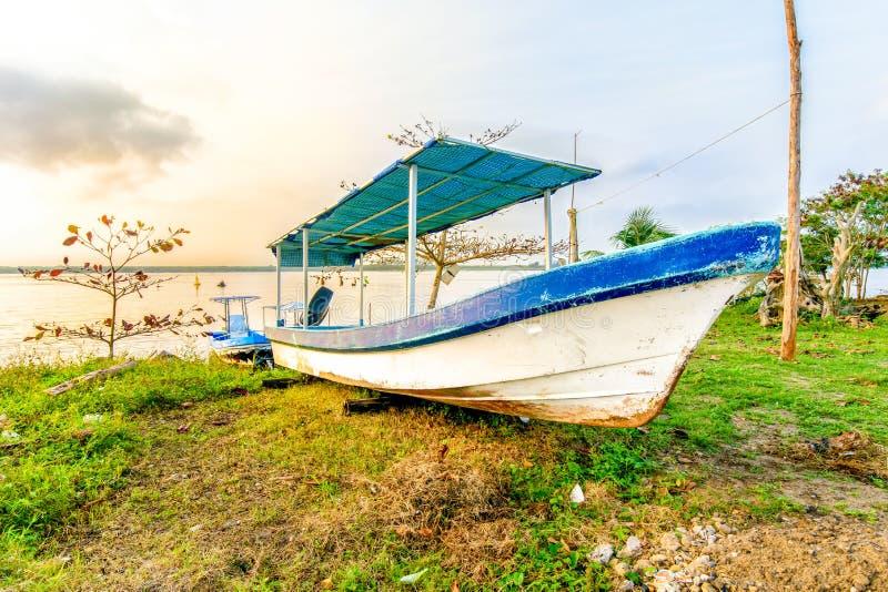 Mexikanisches Fischerboot lizenzfreies stockfoto