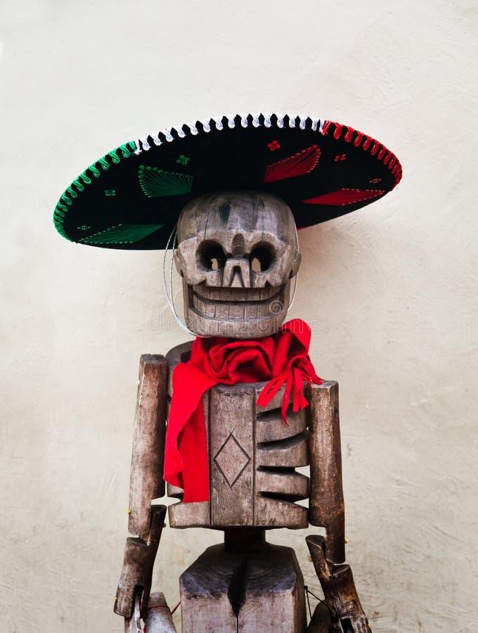 Mexikanisches hölzernes Skelett stockbild