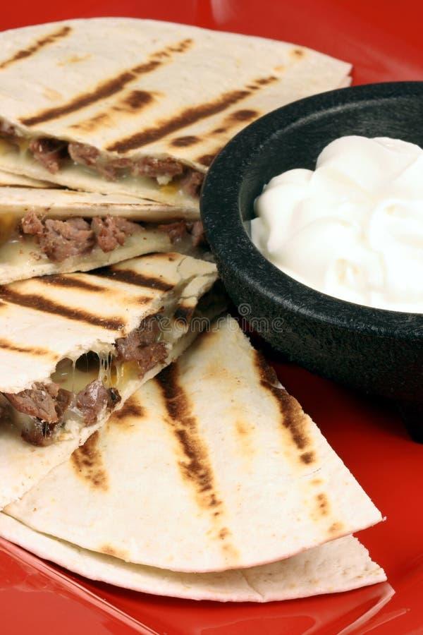 Mexikanisches quesadilla lizenzfreie stockfotografie