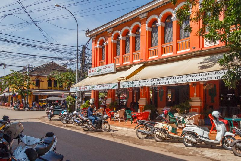 Mexikanisches Restaurant in einem französischen Architekturgebäude stockfotografie