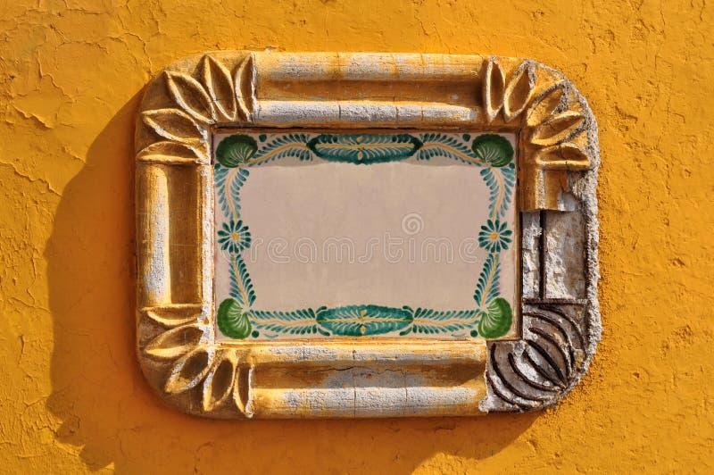 Mexikanisches rustikales Kolonialstraße Feld lizenzfreies stockbild