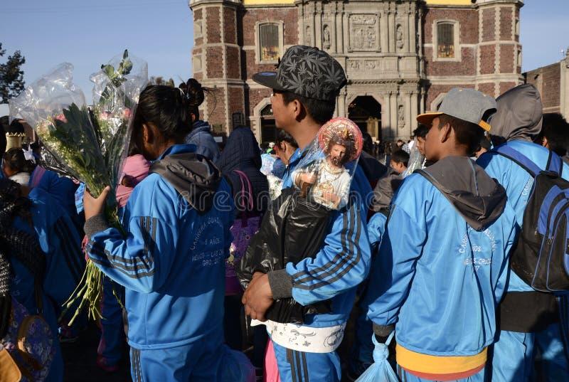 Mexiko City, Mexiko 11. Dezember 2017: Pilger bei Guadalupe Pilgrimage lizenzfreie stockbilder