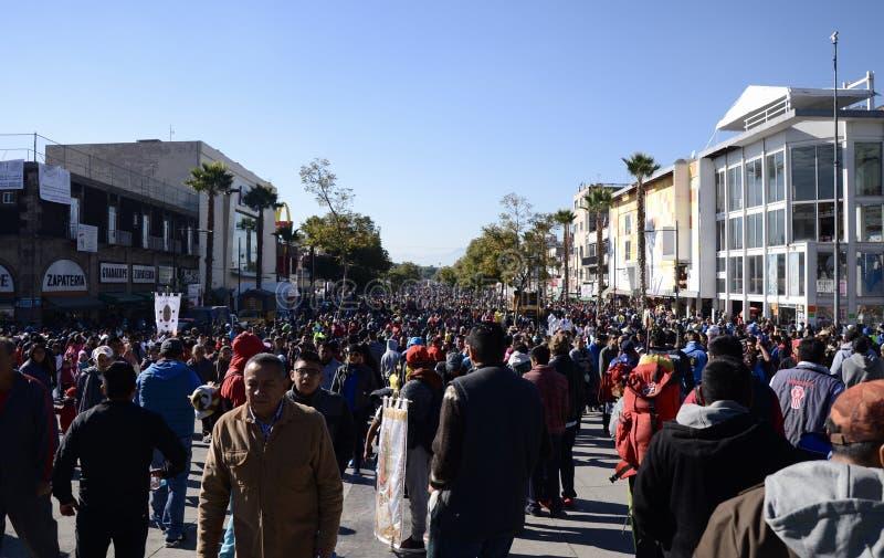 Mexiko City, Mexiko 10. Dezember 2017: Pilger bei Guadalupe Pilgrimage lizenzfreie stockfotografie
