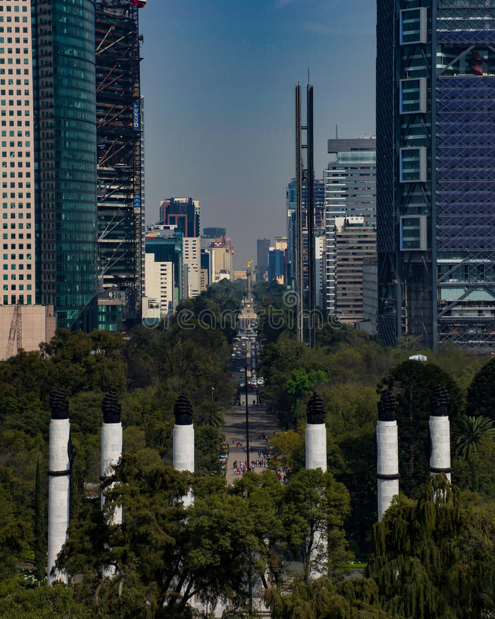 Mexiko City Paseo de la Reforma stockbilder