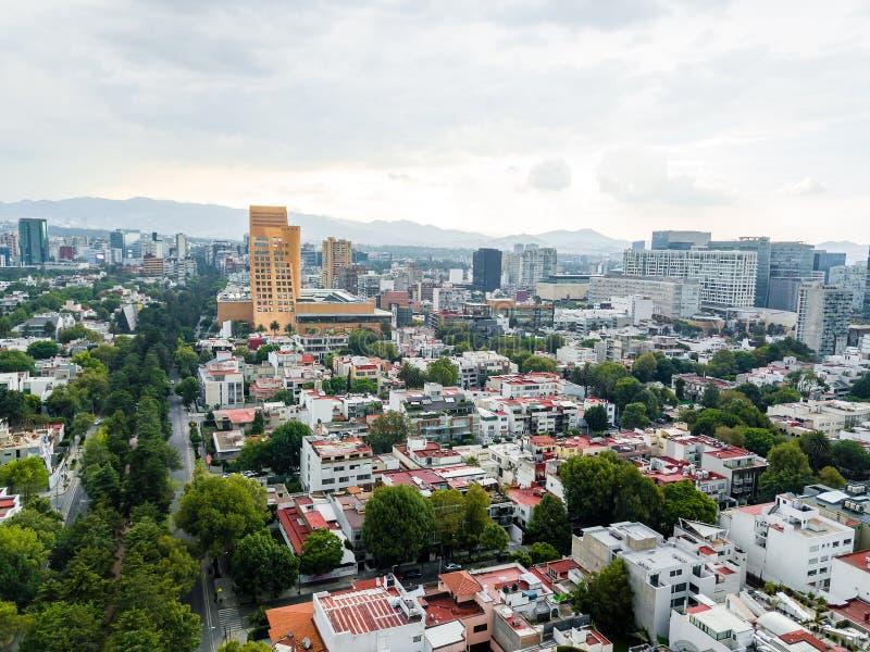Mexiko- Citypanoramablick - Polanco Moliere und Antara lizenzfreie stockbilder
