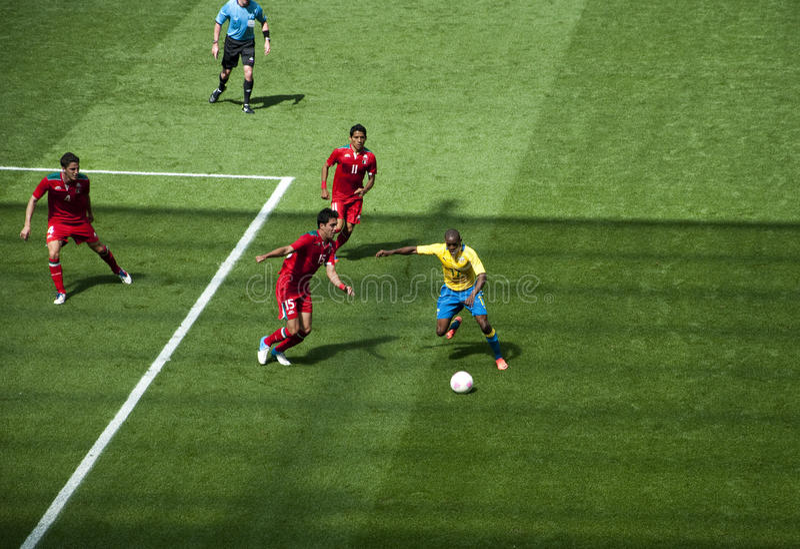 Mexiko gegen Gabun in den Londonolympics 2012 stockbilder