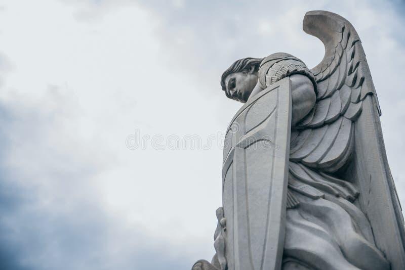 MEXIKO - 20. SEPTEMBER: Schließen Sie oben von einer Schutzengel Statue an den Tepeyac-Hügeln stockbilder