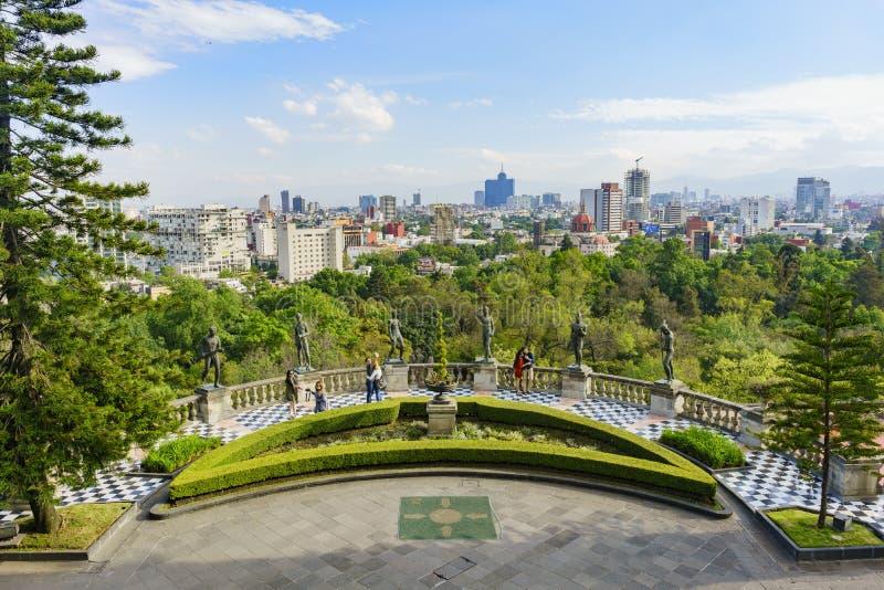 Mexiko-Stadtbild von Chapultepec-Schloss stockbild