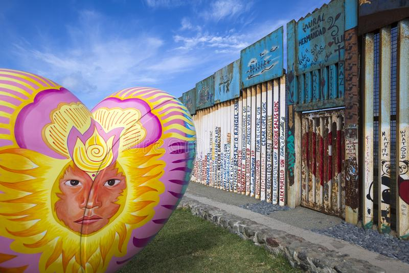 Mexiko - Tijuana - die Wand der Schande stockbilder