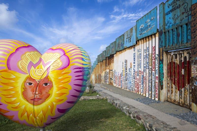 Mexiko - Tijuana - die Wand der Schande stockbild