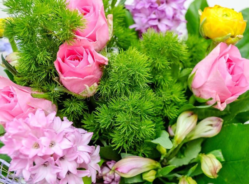 Mezcla colorida de flores foto de archivo