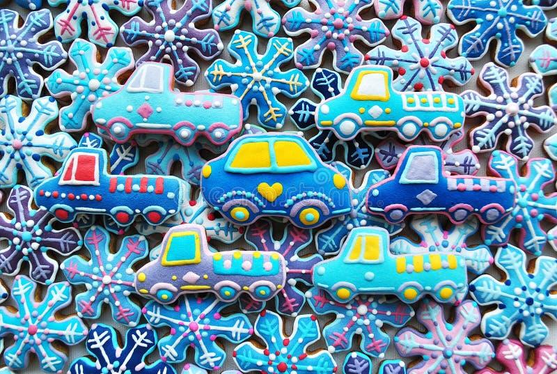 Mezcla colorida de la Navidad de Honey Cookies, coche, copos de nieve formados foto de archivo
