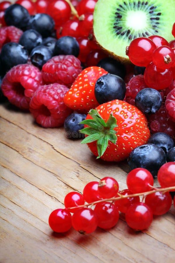 Mezcla de berrie differrerent imagenes de archivo