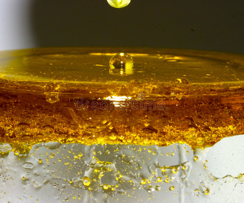 Mezcla del agua del petróleo foto de archivo libre de regalías