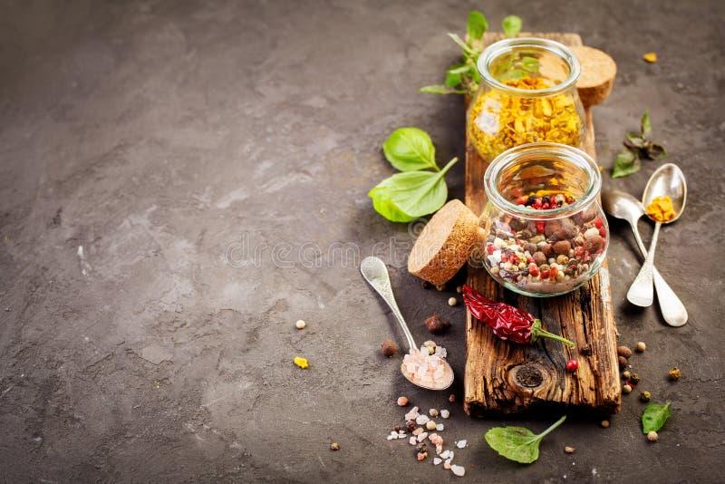 Mezcla e ingredientes de la especia para cocinar foto de archivo