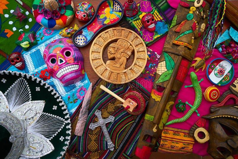 Mezcla mexicana maya de los recuerdos de las artesanías foto de archivo libre de regalías