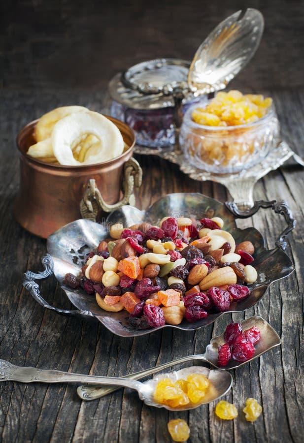 Mezcla Nuts y secada de las frutas fotografía de archivo libre de regalías