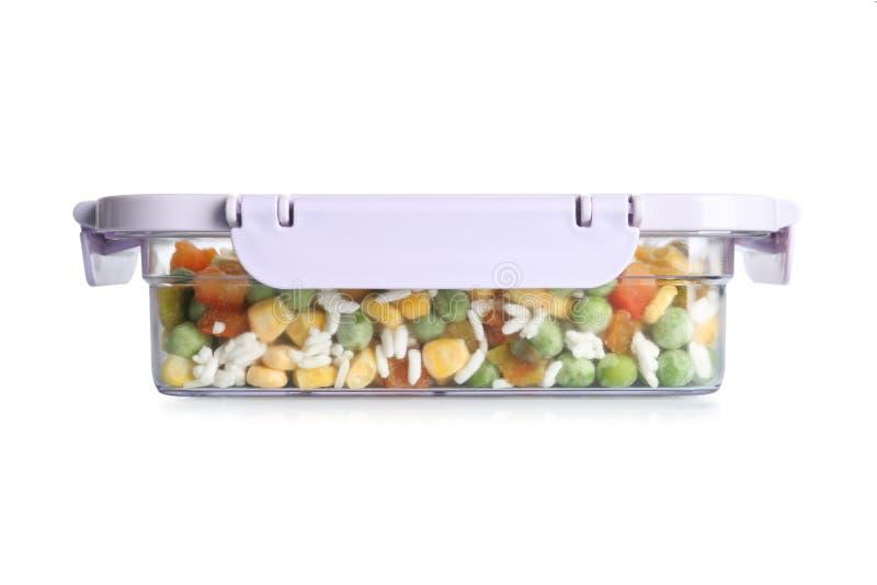 Mezcla vegetal con arroz en caja en blanco fotografía de archivo libre de regalías