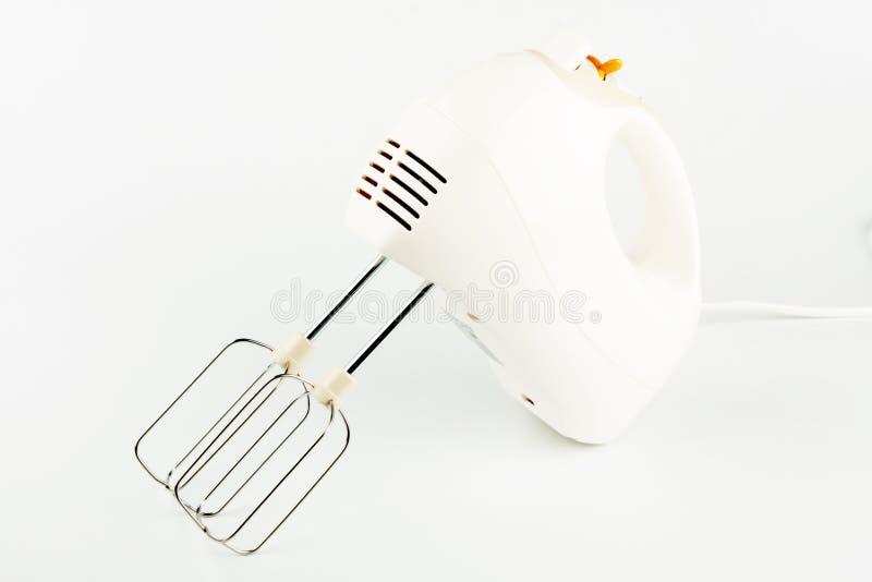 Mezclador de alimentos eléctrico con los batidores imagen de archivo
