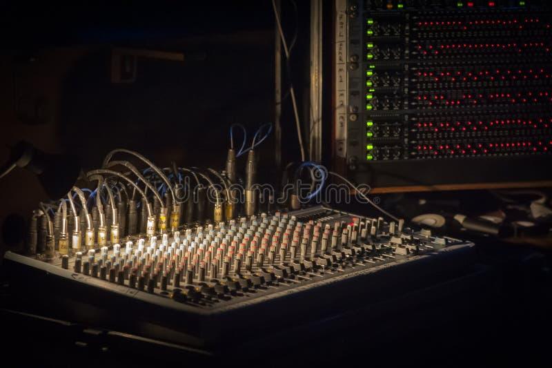 Mezcladora de audio de la música foto de archivo