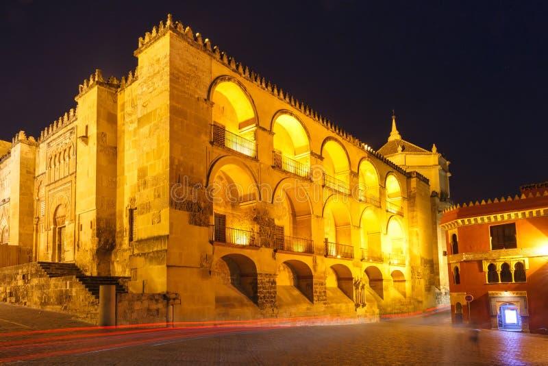 Mezquita τη νύχτα στην Κόρδοβα, Ισπανία στοκ φωτογραφία με δικαίωμα ελεύθερης χρήσης
