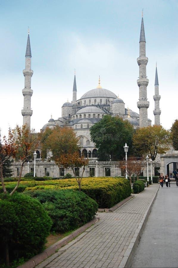 Mezquita azul. Opinión del parque fotos de archivo libres de regalías