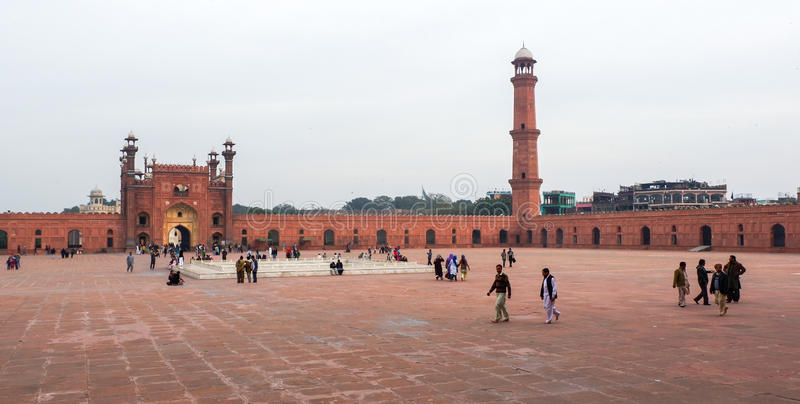 Mezquita de Badshahi en Paquistán imagen de archivo libre de regalías
