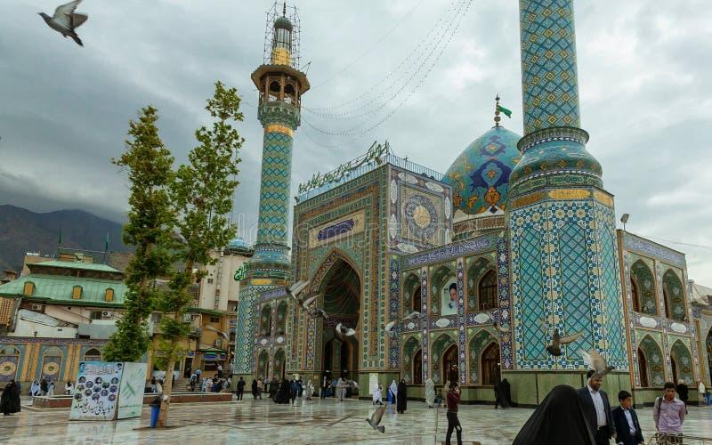 Mezquita de Imamzadeh Saleh en un día nublado imágenes de archivo libres de regalías
