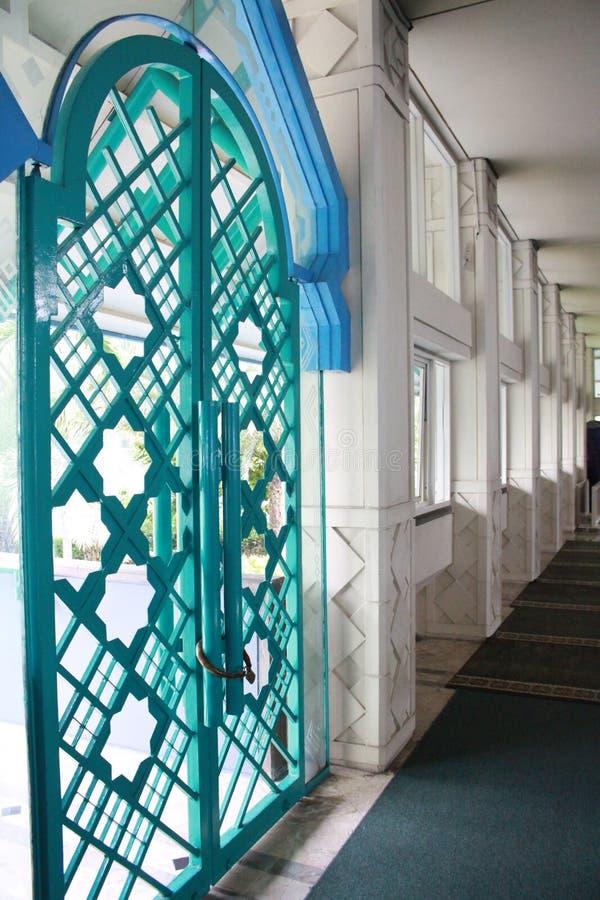 Mezquita de la entrada de la arquitectura foto de archivo