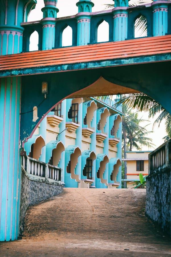 Mezquita de Odayam Juma Masjid en la playa de Varkala, Kerala, la India fotos de archivo