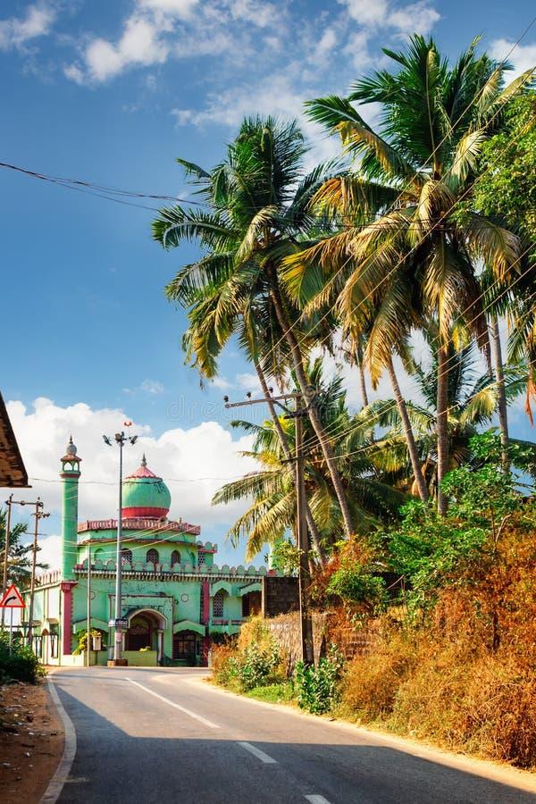 Mezquita de Odayam Juma Masjid en la playa de Varkala, Kerala, la India imagenes de archivo