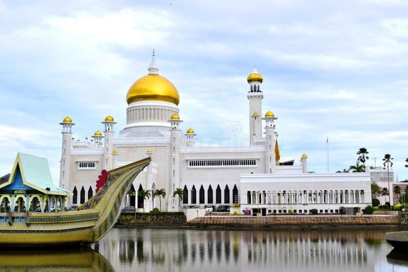 Mezquita de Omar Ali Saifuddin del sultán fotos de archivo