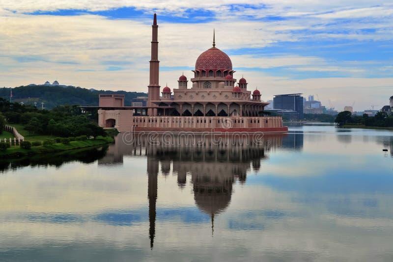 Mezquita de Putra fotografía de archivo libre de regalías