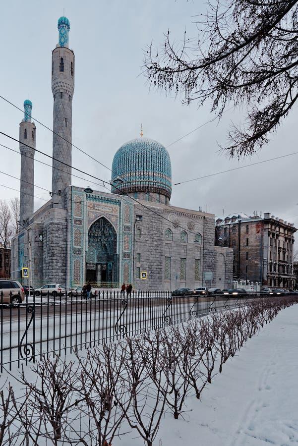 Mezquita de St Petersburg en un día de invierno foto de archivo