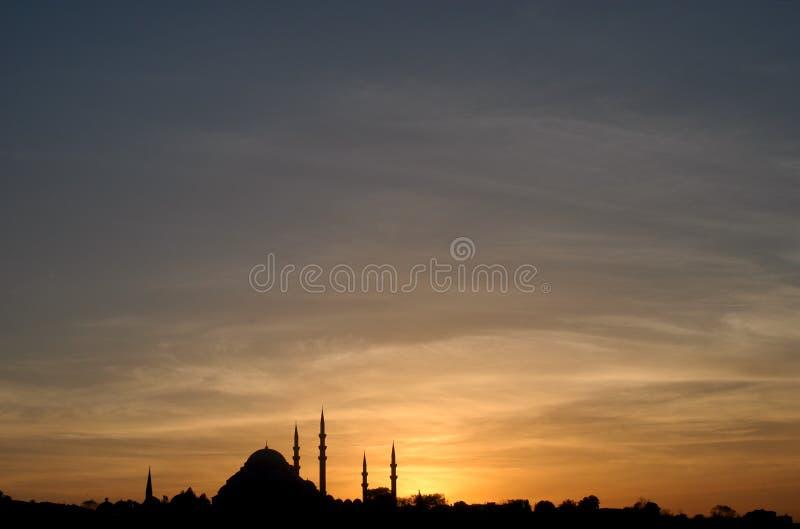 Mezquita de Suleymaniye en la puesta del sol fotografía de archivo