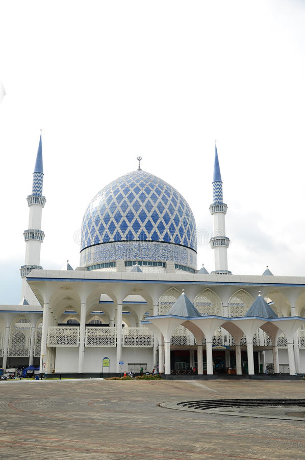 Mezquita a de Sultan Salahuddin Abdul Aziz Shah K un Sah Alam Mosque foto de archivo libre de regalías