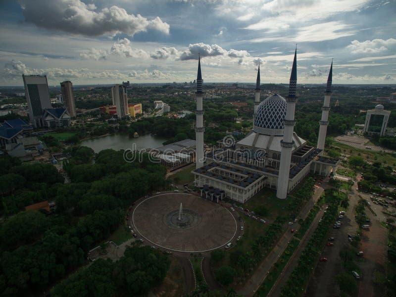 Mezquita de Sultan Salahuddin Abdul Aziz Shah, Shah Alam, Selangor, Malasia foto de archivo