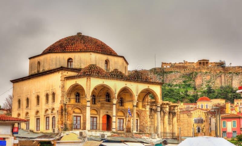 Mezquita de Tzistarakis y acrópolis de Atenas foto de archivo