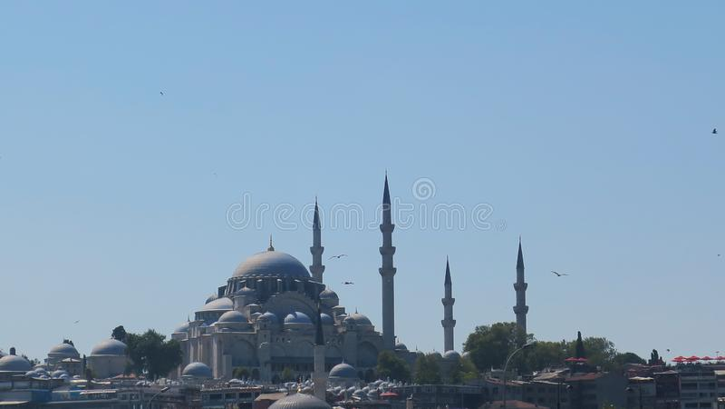 Mezquita del ¼ de EmimönÃ, Estambul, Turquía imagen de archivo